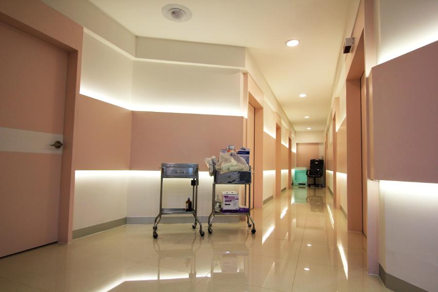 ตกแต่ง ศูนย์ถันย์ ศิรริราช พยาบาล (8)